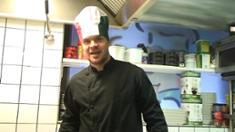 Video: Märkä Simo kokkina